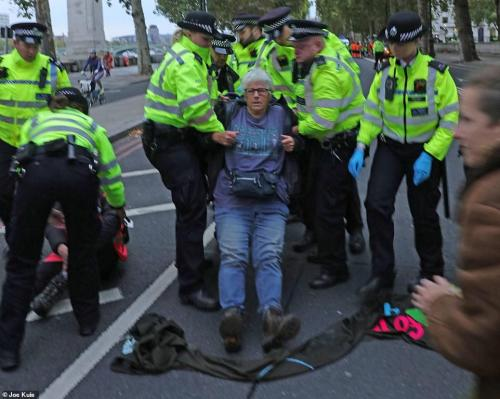 XR Peace on Victoria Embankment